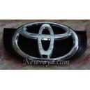 emblem grill Toyota Grand Innova